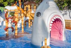 Shark pool aqua splash GHT Hotel Balmes