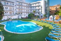 Outdoor swimming pool GHT Hotel Balmes