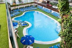Outdoor swimming pool GHT Hotel Costa Brava