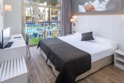 Номер с видом на бассейн GHT Hotel Costa Brava