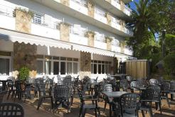 Barbecue and swimming pool Hotel Neptuno