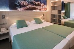 Habitación apartamento Hotel GHT Oasis Park Spa Lloret de Mar