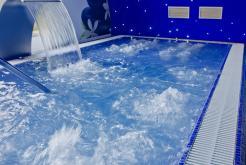 Piscina climatizada Hotel GHT Oasis Park Spa Lloret de Mar