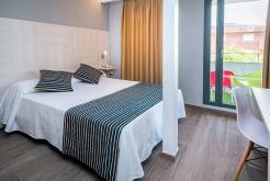 Habitación balcón GHT Hotel Sa Riera